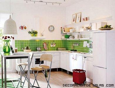 Cocinas en blanco y verde