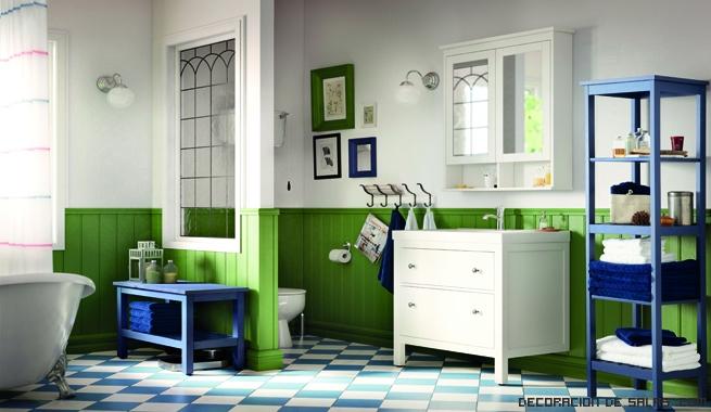 baños en azul y verde