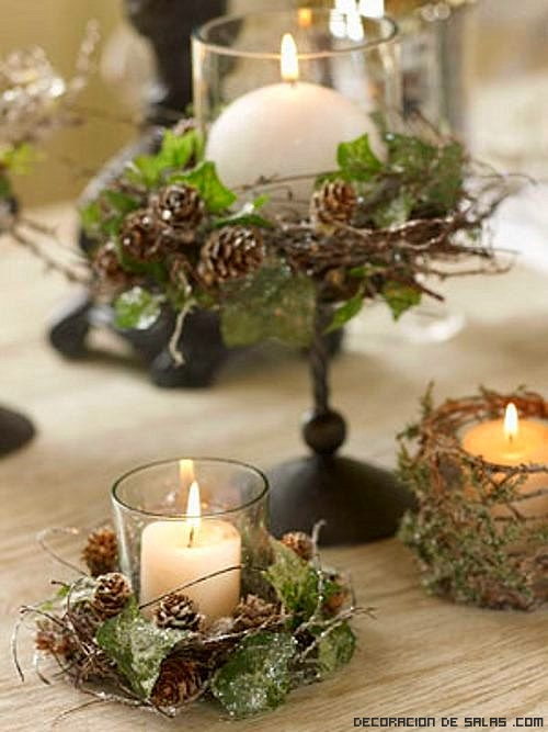 centros de mesa con velas en blanco