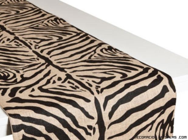 mesas elegantes con manteles estampados