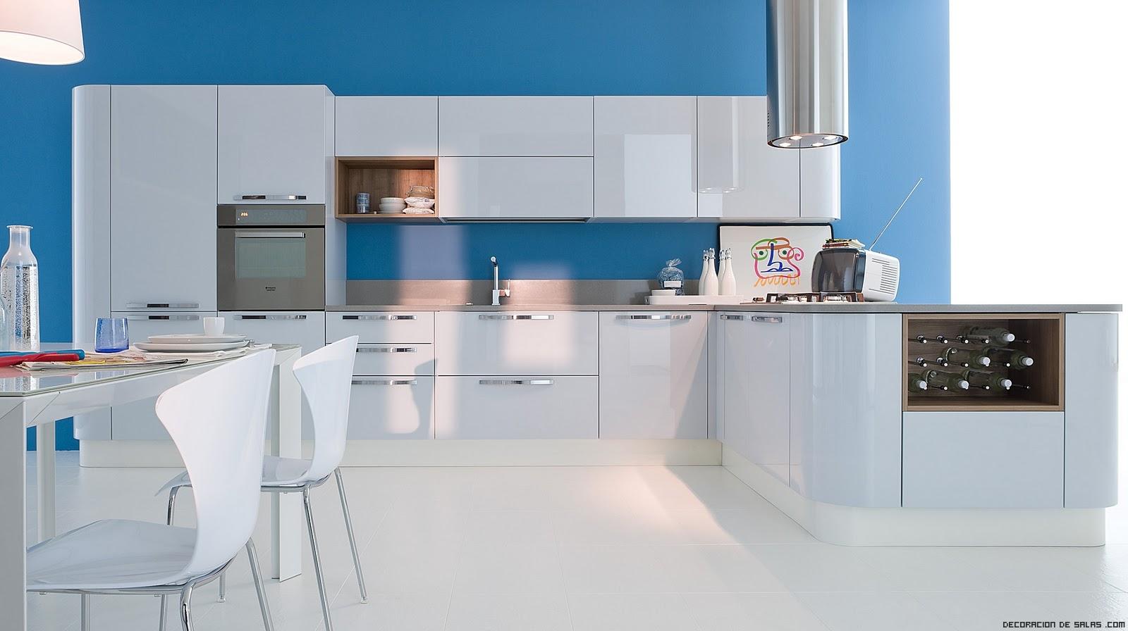 Cocinas en blanco y azul