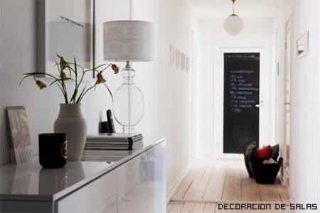 pasillo con muebles