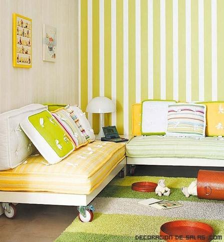 sofás de color amarillo