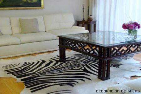 alfombra piel blanca y negra