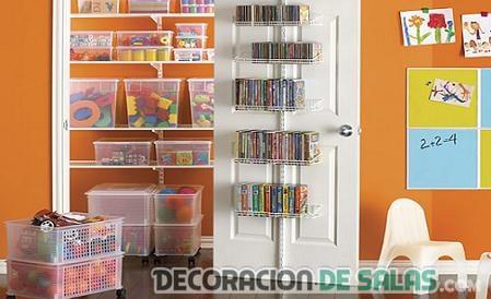 aprovechar espacio en puertas infantiles