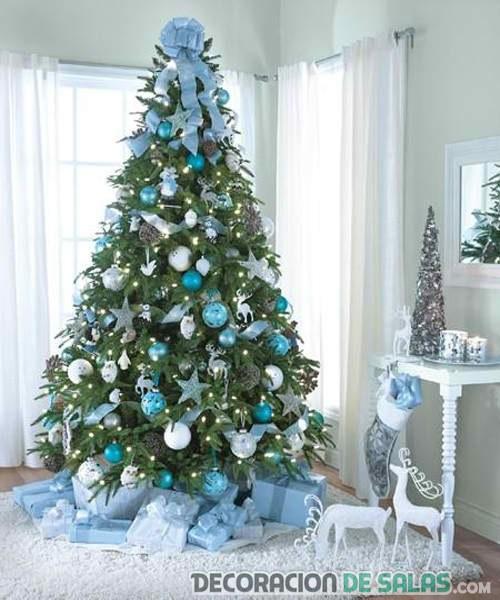 árbol de navidad en color azul