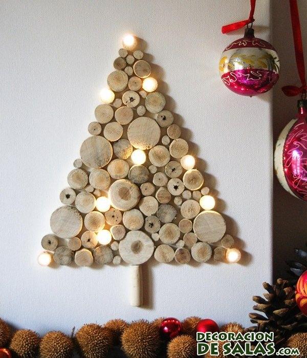 árbol de navidad hecho con corchos