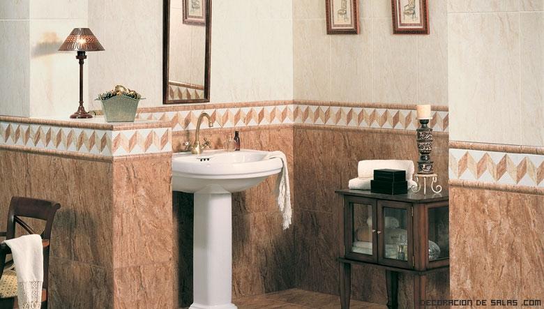 baños decorados en tonos marrones