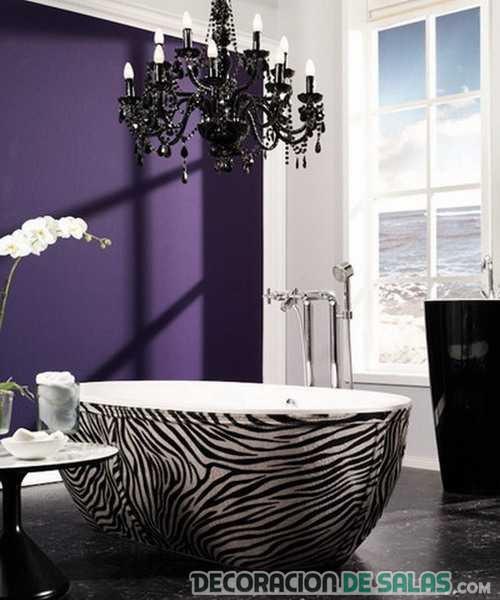 bañera con estampado cebra