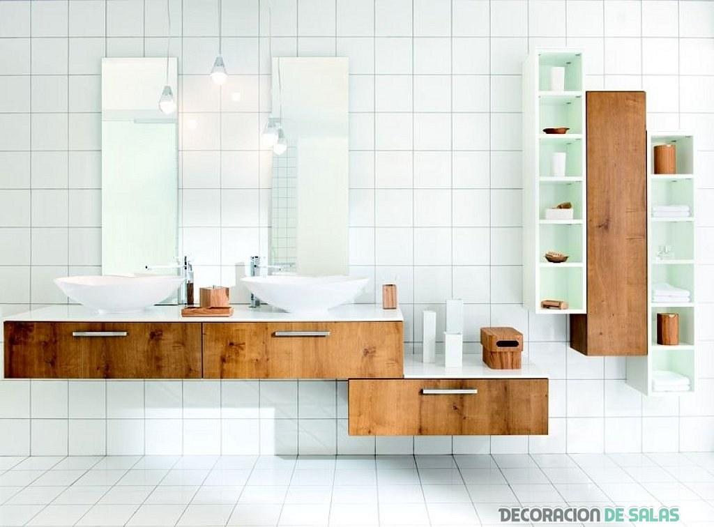 baño blanco pequeño en madera
