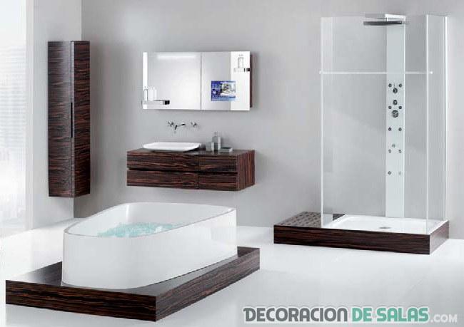 baño con piezas muy modernas