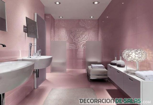 baño en color moderno y con glamour