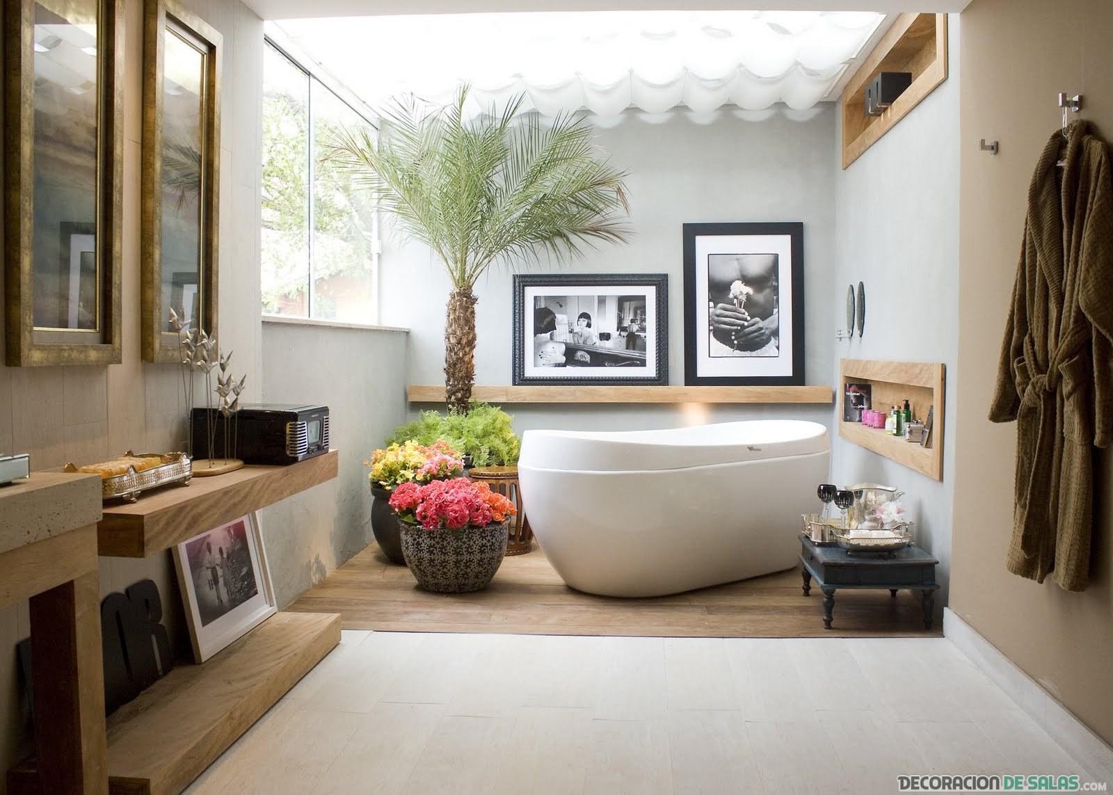 baño grande con imágenes