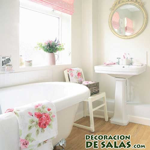 baño romántico en color blanco