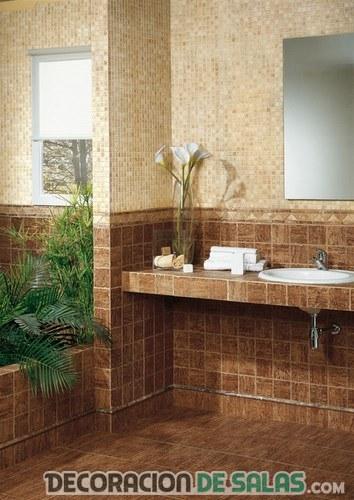 baño rústico con pared de azulejos