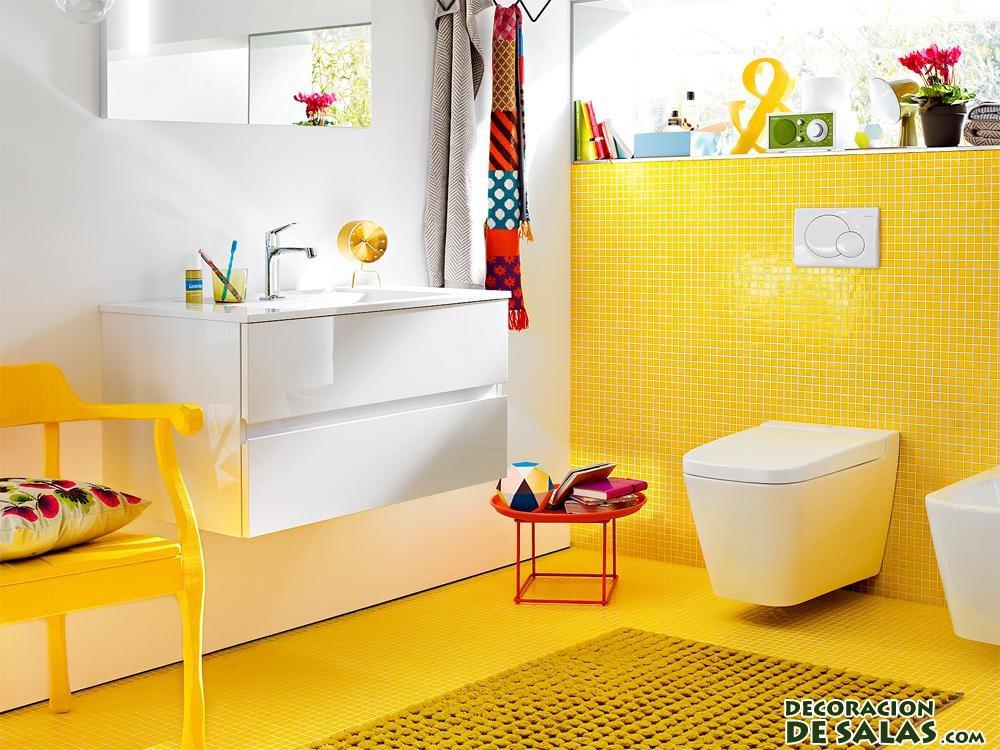 baños en amarillo claro