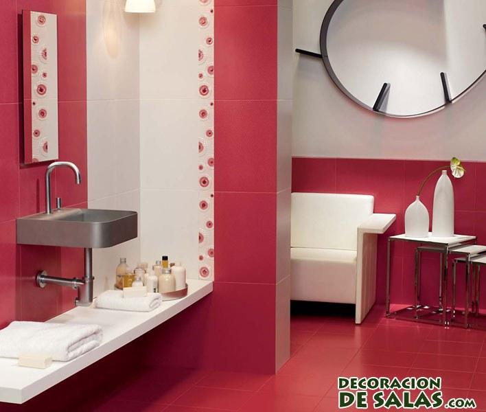 baños rojos y blancos