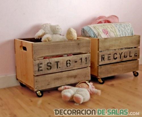 cajas de madera con ruedas