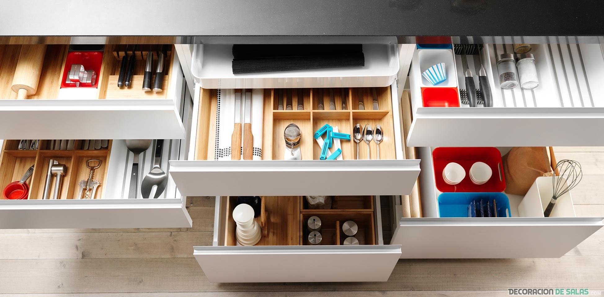 cajones de la cocina organizados