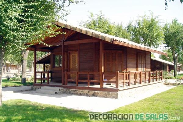 casa pequeña de madera