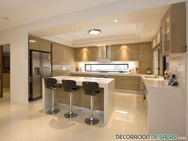 cocina amplia y abierta