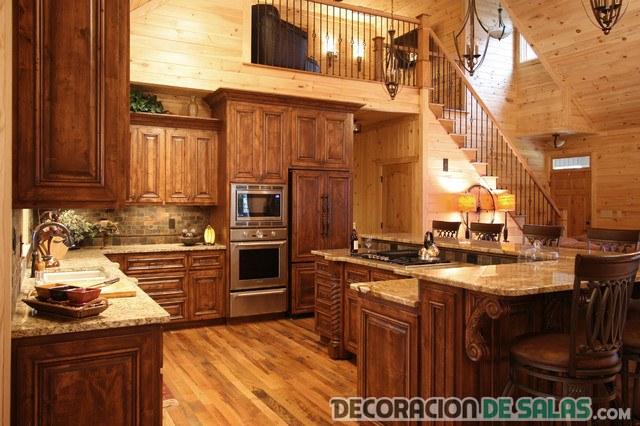 cocina con suelos de madera