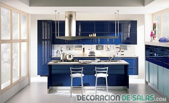 cocina en color azul brillante