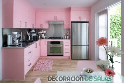 cocina en color rosa chicle