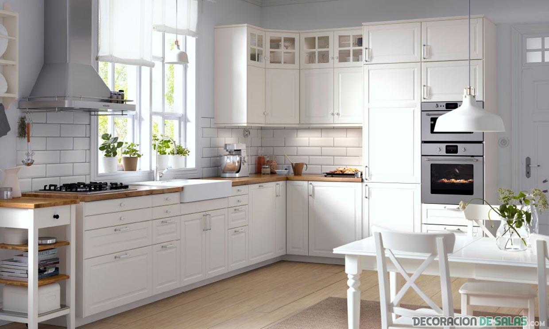cocina grande en blanco