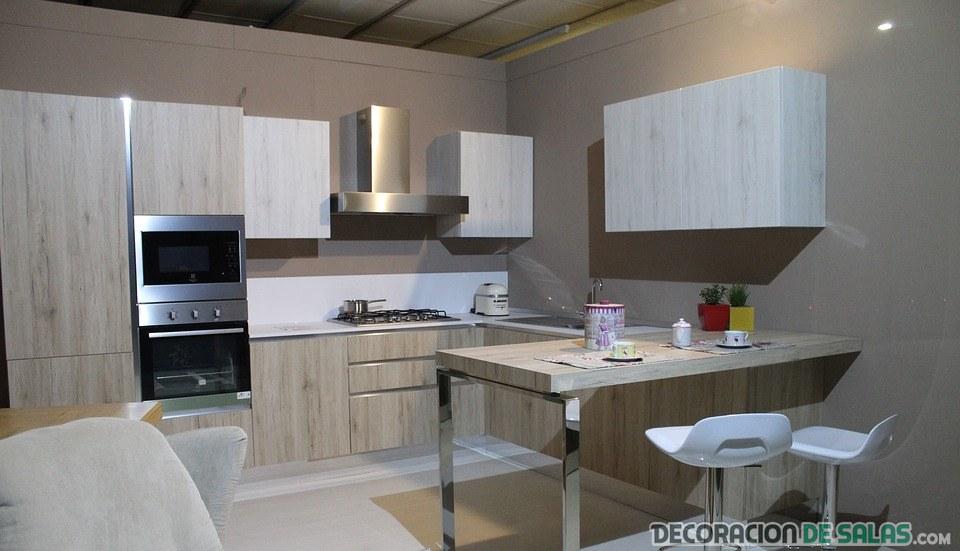 cocina moderna con toques metálicos