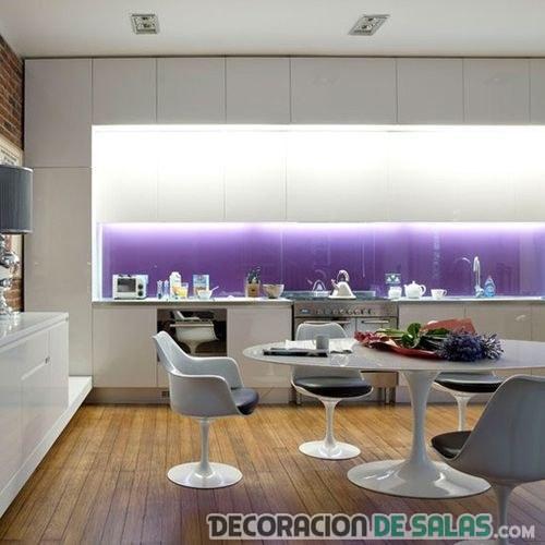 cocina moderna en color malva