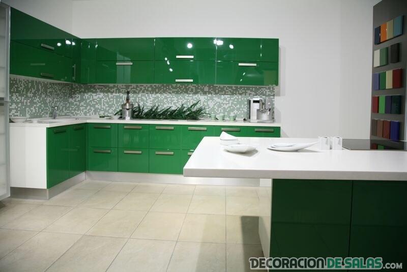 cocina verde oscuro