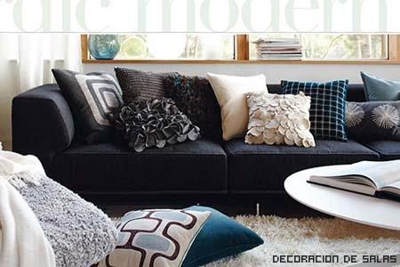 cojines colores sofa oscuro