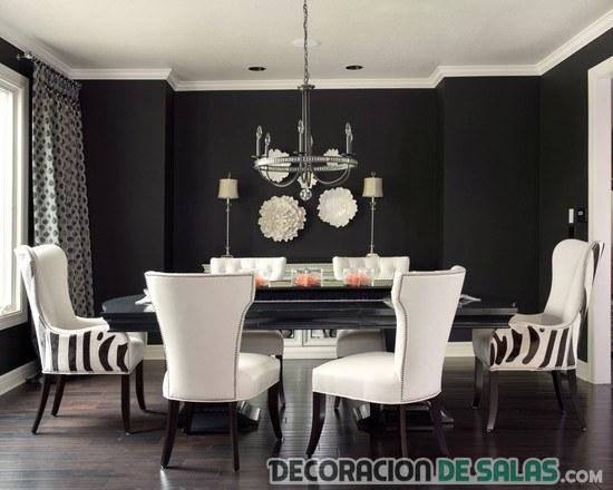 comedor elegante con sillas combinadas y estampadas