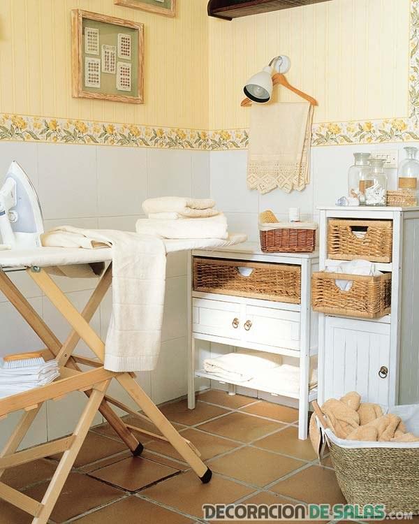cuarto de lavadora y plancha decorado