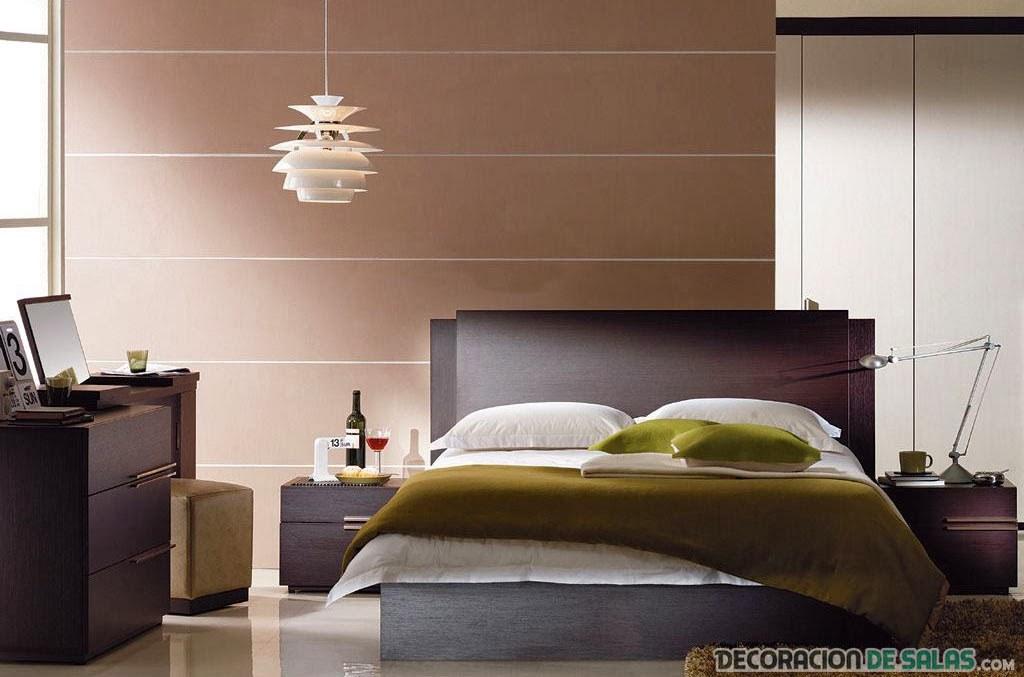 dormitorio chocolate con pinceladas en verde