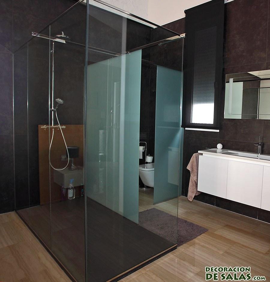 dormitorio con ducha