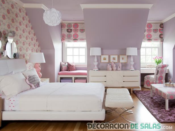 dormitorio en color malva con estampados
