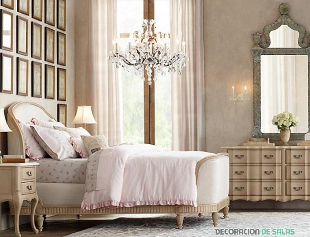 dormitorio vintage con gran lámpara