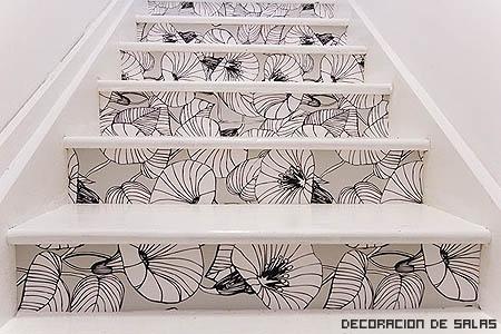 escalera con dibujo