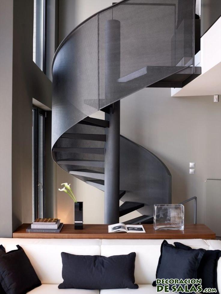 escaleras interiores en negro