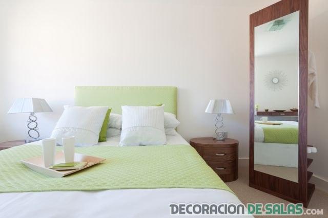 espejo para dormitorio con estantería