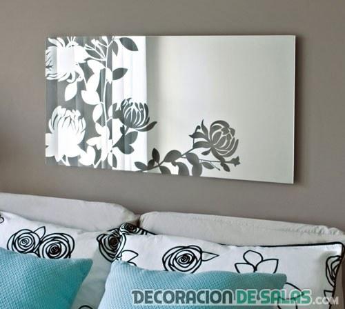 Espejos decorados en el salón