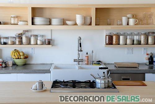 estanterías de madera para la cocina