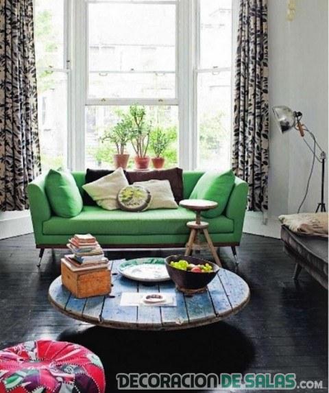 estilo boho con sofá en verde