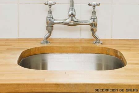 fregadero madera y acero