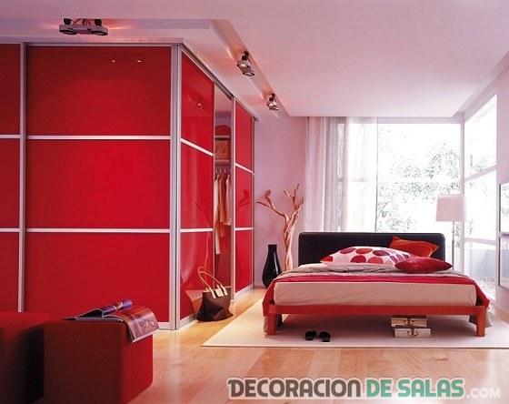 habitación armarios en color rojo