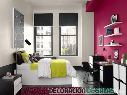 habitación con colores intensos