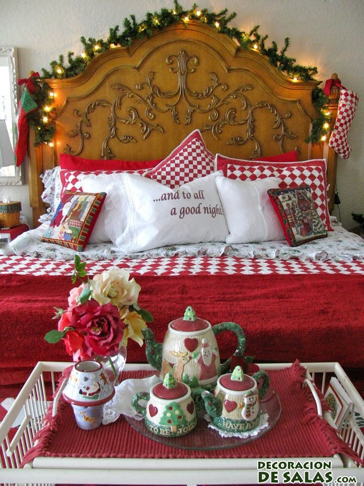 habitación con detalles navideños