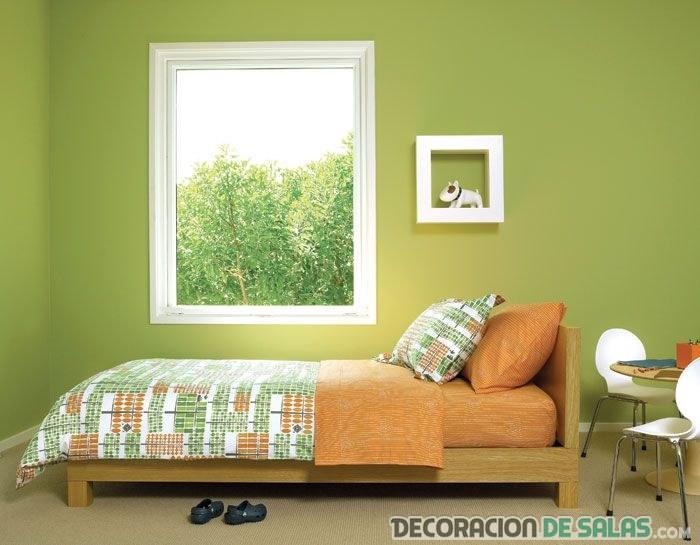 habitación con paredes en color verde